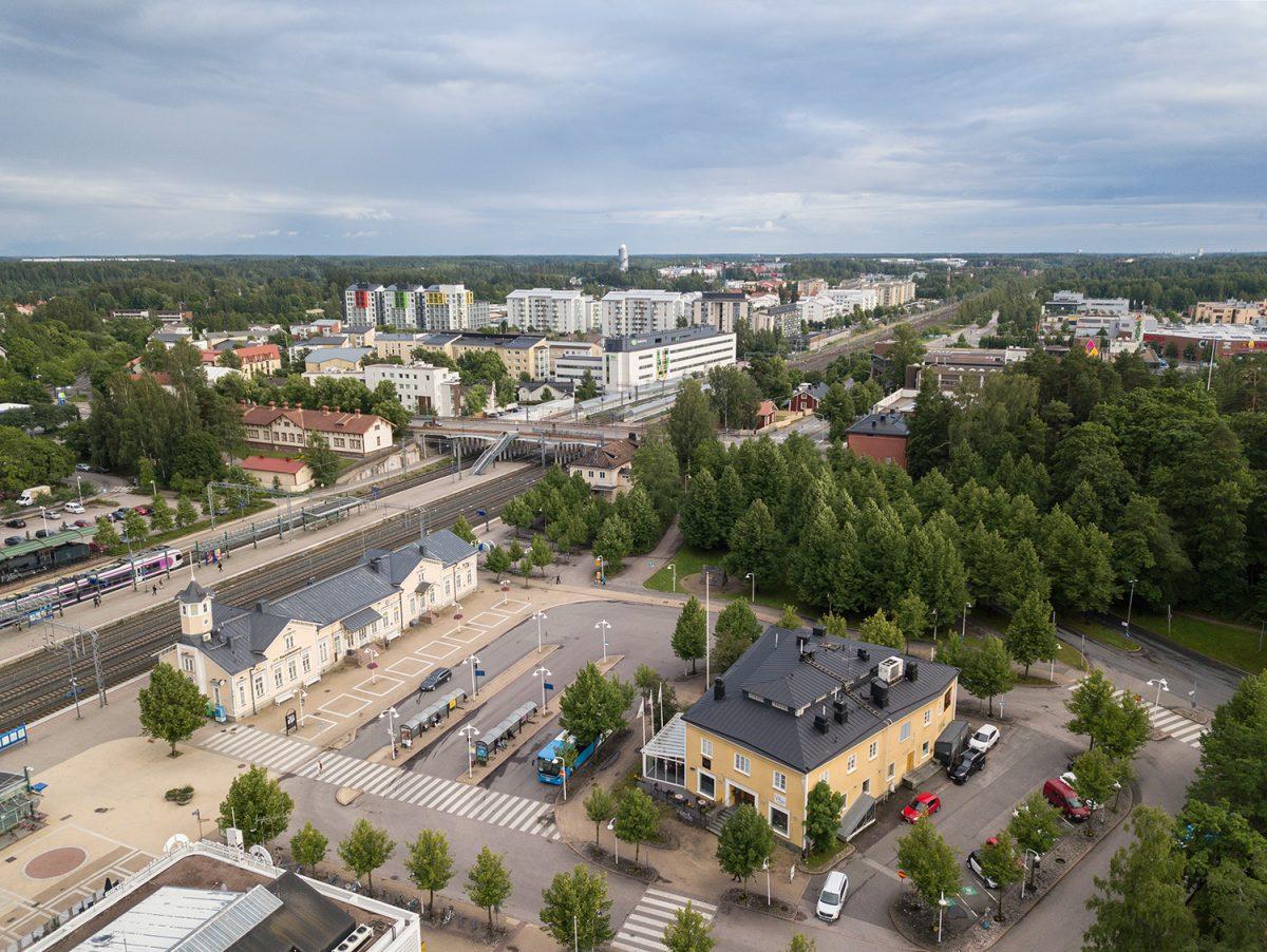 Keravan keskustaa ja rautatieasema
